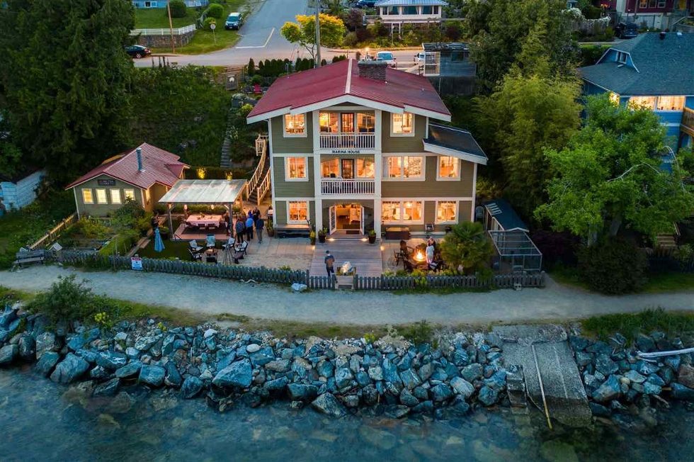 Sunshine Coast Waterfront Homes for Sale
