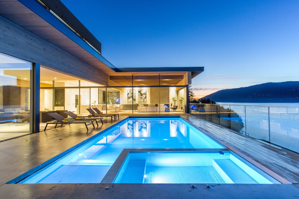West Vancouver Waterfront Homes for Sale